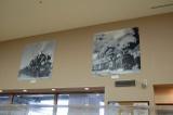 線路側の壁面にはSLの写真が飾られている