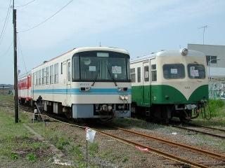 KR-500形とキハ430形