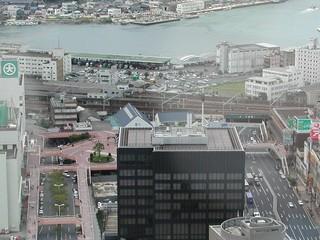 海峡ゆめタワーから撮った下関駅