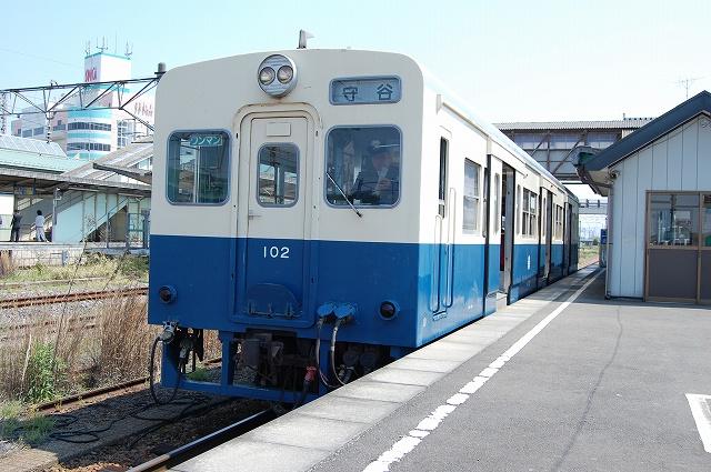 キハ102。下館駅にて
